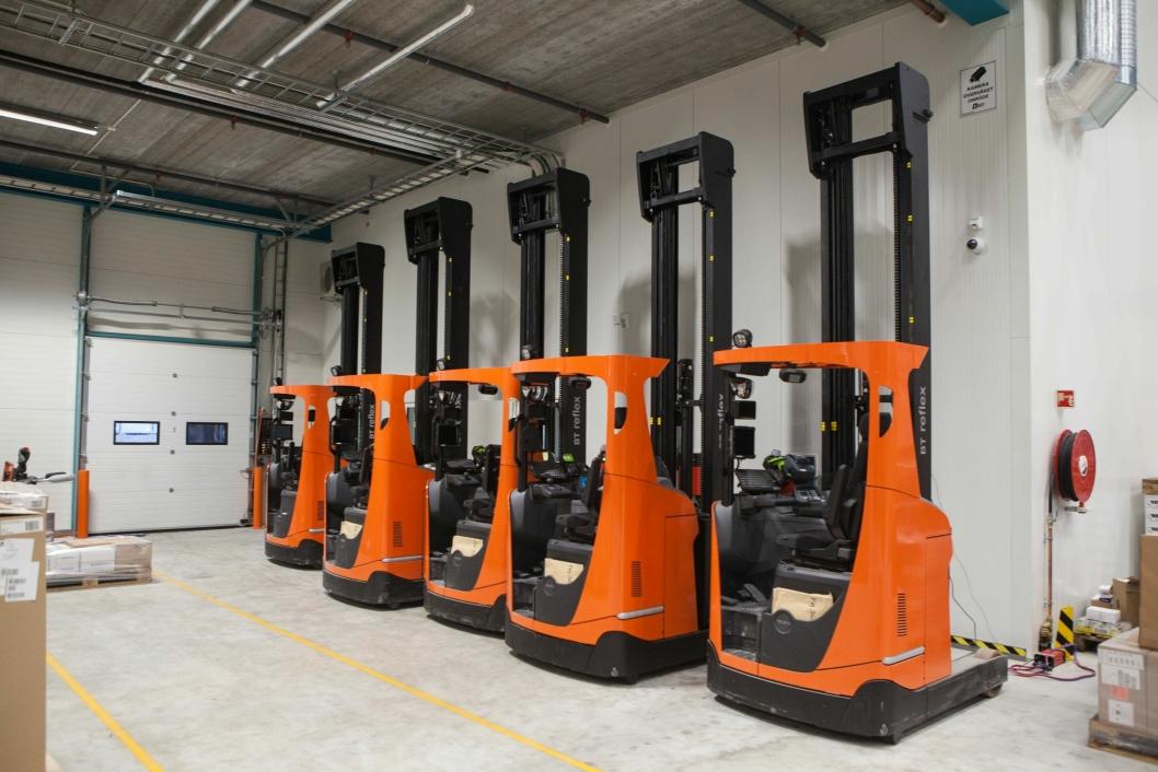 Toyota Material Handling har levert skyvemasttrucker med tiltbar førerkabin til Lemans nye lager.