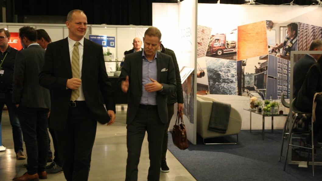 Administrerende direktør i NHO Logistikk og Transport Are Kjensli sammen med samferdselsminister Ketil Solvik-Olsen på vei inn på Transport  & Logistikk i fjor. Nytt av året er at det store samferdselsdebatten skjer på den første dagen før festmiddagen - kanskje dukker politikerne opp til festen også?