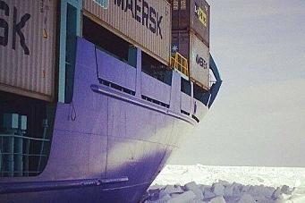 Med containere gjennom Arktis