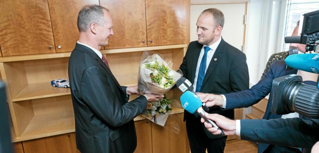 FRA ØKONOMEN TIL KJØTTSKJÆREREN: 31. august overtok Jon Georg Dale kontoret til Ketil Solvik-Olsen.