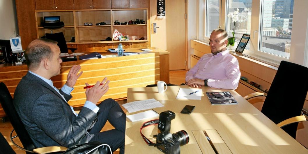 MT-redaktør Øyvind Ludt i samtale med den ferske samferdselsministeren Jon Georg Dale.