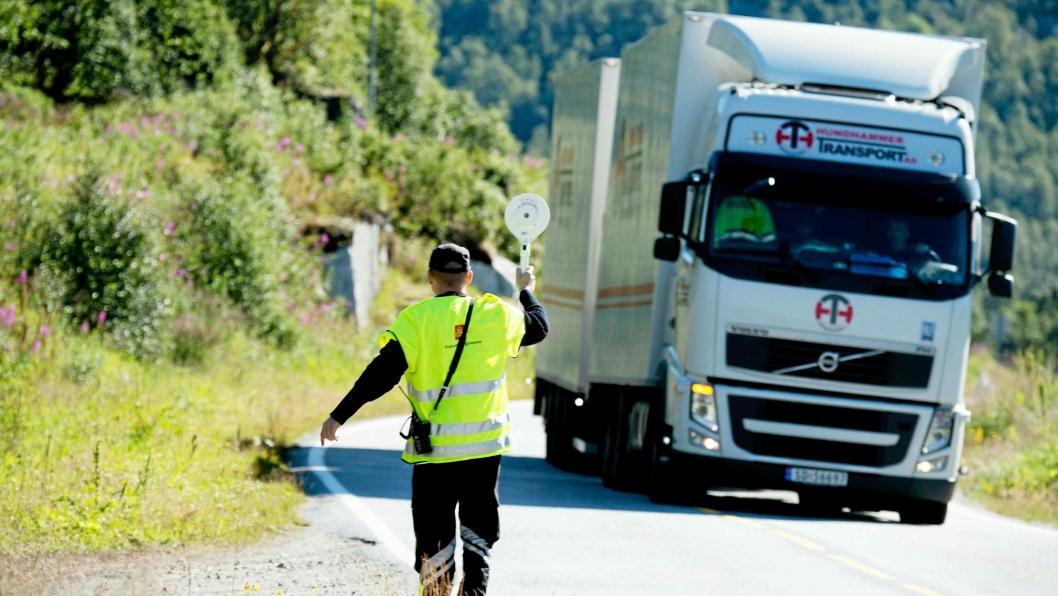Landeveien har passert sjøveien som den viktigste åren for godstransport mellom øst og vest.