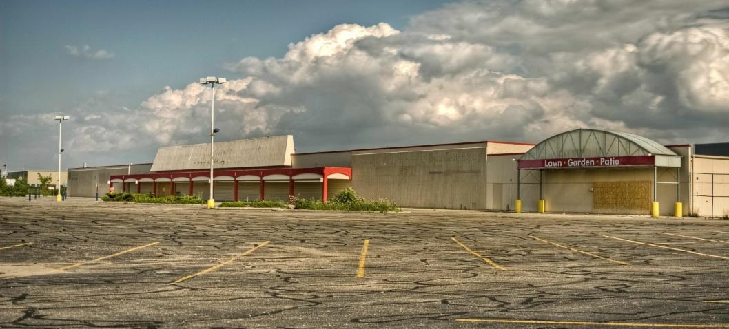 SKIFTE: I USA legges kjøpesentere ned i stor skala. Folk vil ha varene levert på døra.