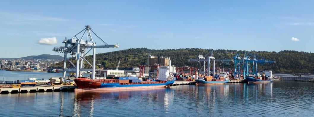 Yilport satte rekord i oktober med 21.363 TEU over kaikanten. Aldri tidligere har det blitt håndtert flere containere ved en havneterminal i løpet av en måned i Norge.