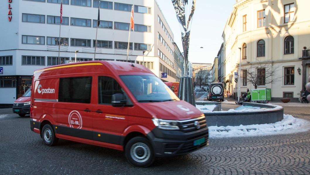 Posten viste fram sine nye elektriske varebiler i Oslo sentrum onsdag.