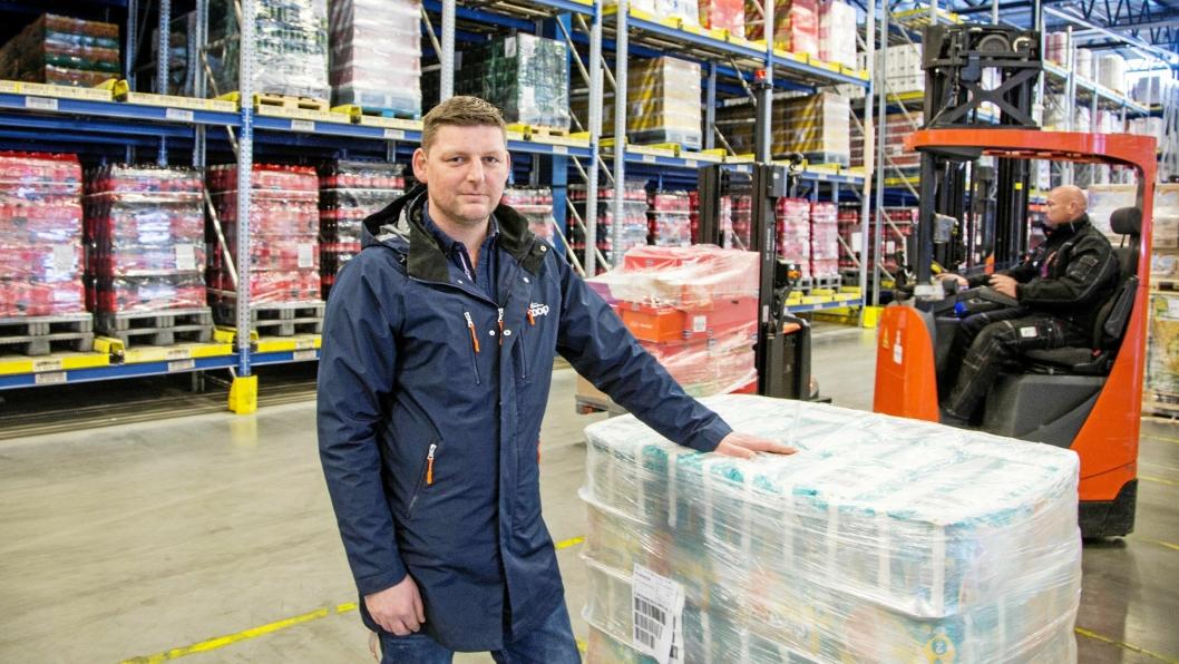 ØNSKER FLYT: Roger Tømmervold hos Coop Trondheim ser for seg at det kan bli flere enn fem AGV-er om ikke lenge.