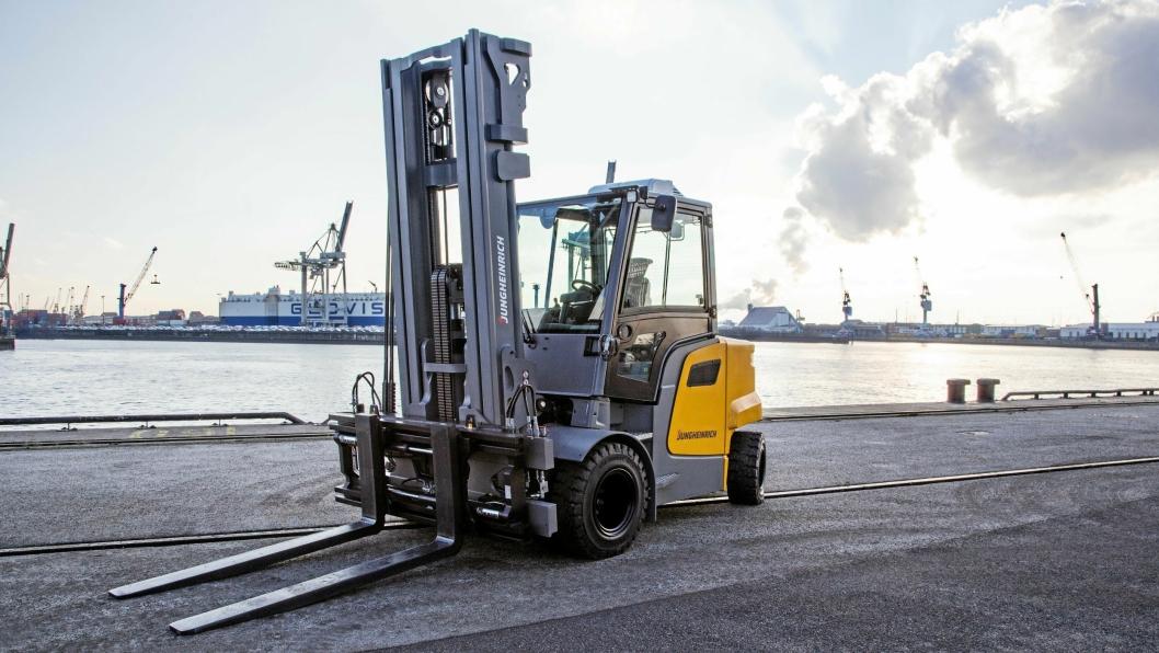 For første gang leverer Jungheinrich motvektstrucker mellom fem og ni tonn. Her en sju tonns kompaktvariant med kortere bakpart.