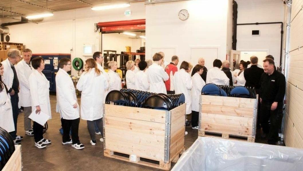 I 2014: Over halvparten av de ansatte ved fabrikken stilte seg i kø for å bruke sparepenger på aksjer i selskapet som skulle blåse nytt liv i legemiddelproduksjonen i Elverum. Foto: Curida