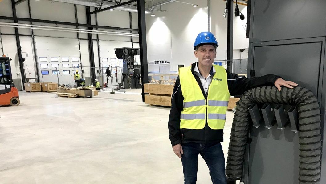 Daglig leder Ove Kjærstad ved Volvo Truck Center Gardermoen gleder seg til å ta imot gamle og nye kunder på det splitter nye anlegget på Hovinmoen ved Gardermoen.