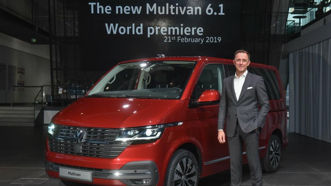 Nyttekjøretøysjef Thomas Sedran presenterte nye Transporter T6.1 i Autostadt Wolfsburg.