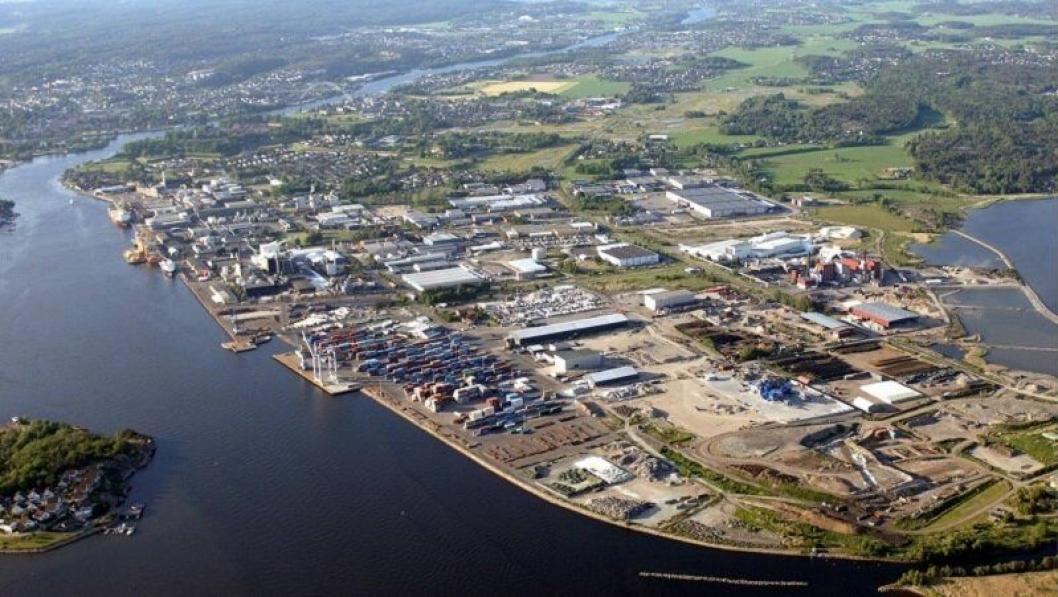 Industriområdet Øra, inklusive Borg havn, ved utløpet til Glomma i Fredrikstad. Arkivfoto: Borg Havn IKS.
