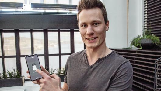 ENKELT: Unloc er først og fremst et app, som gjør det mulig å dele nøkler, forteller Kris Riise.