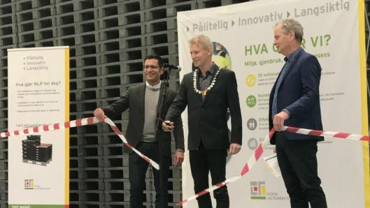 Fra åpningen torsdag. Fra venstre NLPs styreleder Benno Graser, ordfører i Melhus kommune, Gunnar Krogstad og NLPs adm. direktør Ragnar Strand.