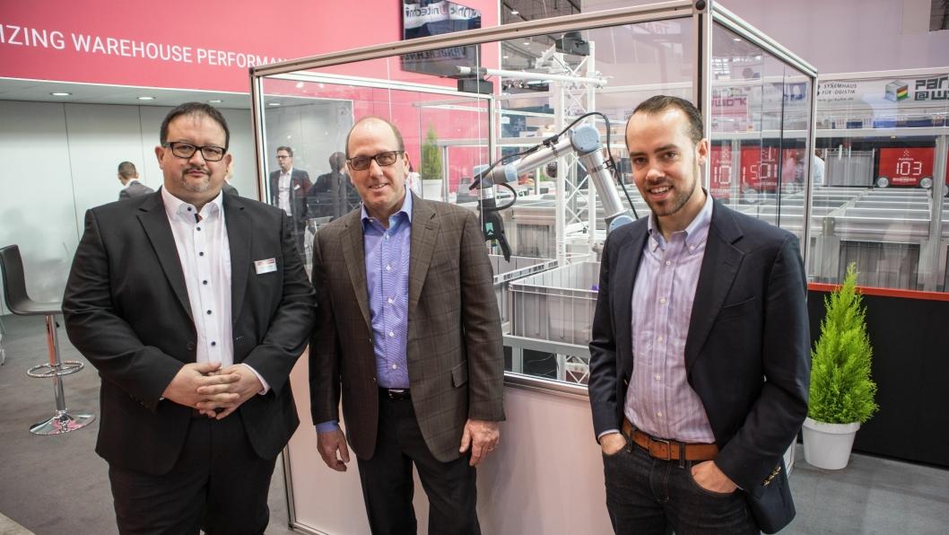 PARTNERE: Element Logics salgssjef i Tyskland, Michael Kawalier (fra venstre) sammen med markedssjef hos Righthand Robotics, Vince Martinelli og selskapets grunnlegger Leif Jentoft.