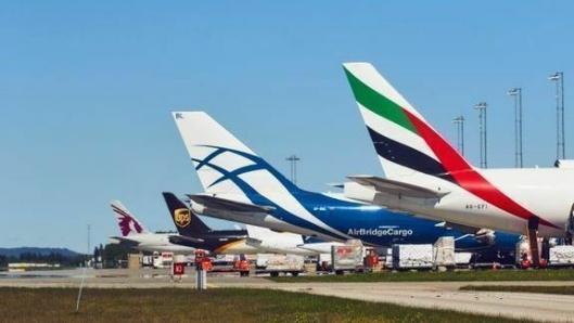 Gardermoen er flyfrakt-hub for 14 fraktflyselskap med ukentlige flygninger. (Foto: Avinor)