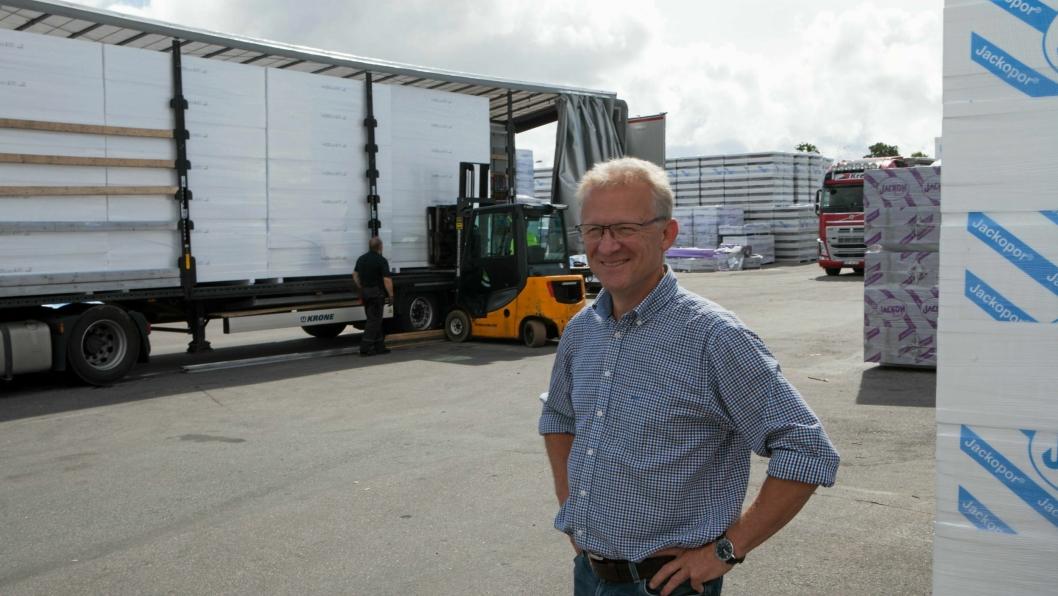 Logistikksjef Ole Iver Mæhlum ser fram til enklere tollhåndtering med den nye skyløsningen fra Descartes.