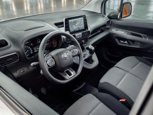 Interiøret i nye Toyota Proace City.