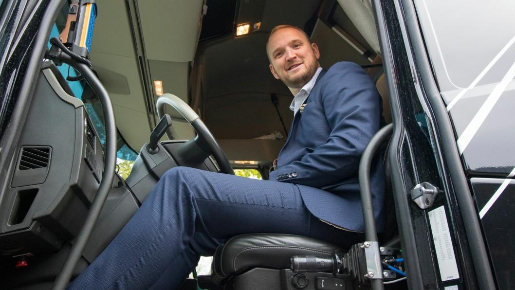 Samferdselsminster Jon Georg Dale vil useriøse og farlige sjåfører til livs.