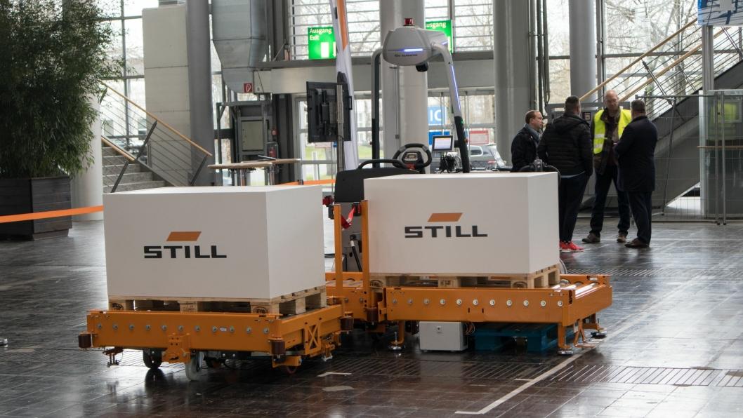 AGV OG INTERNLOGISTIKKROBOT: Still LTX 50.