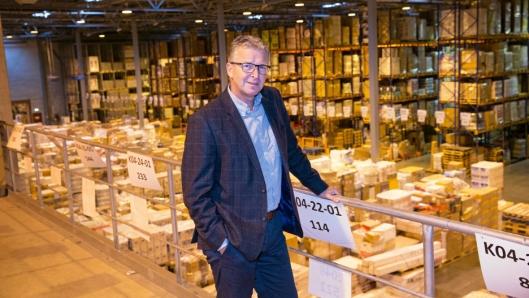 Europris har i dag fem ulike lagre i Fredrikstad, som skal erstattes av det nye lageret i Moss, forklarer, Logistikkdirektør Pål Christian Andersen, her fotografert på det gamle hovedlageret i Fredrikstad.