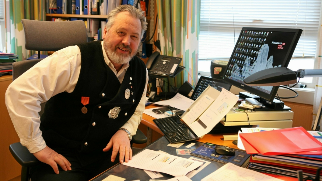 «Rallar» og havnedirektør Rune Arnøy jubler over 100 millioner kroner til elektrifisering av jernbane. Foto: Per Dagfinn Wolden