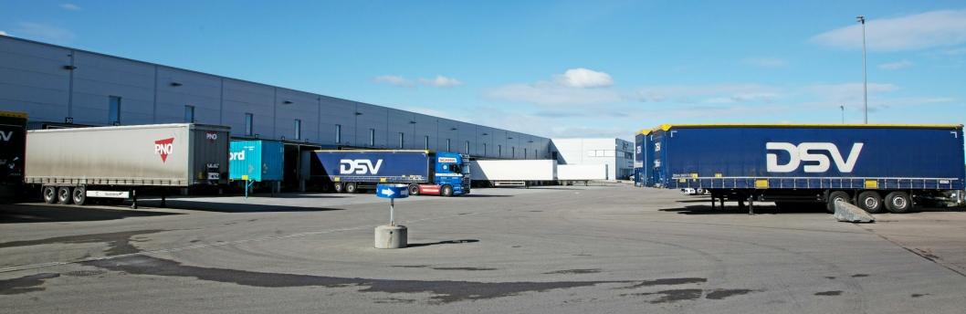 FLYTTER: I dag holder DSV Road til her på Fugleåsen på Langhus, mens DSV Solutions ligger like borti gata. Om to år holder begge til i Vestby.