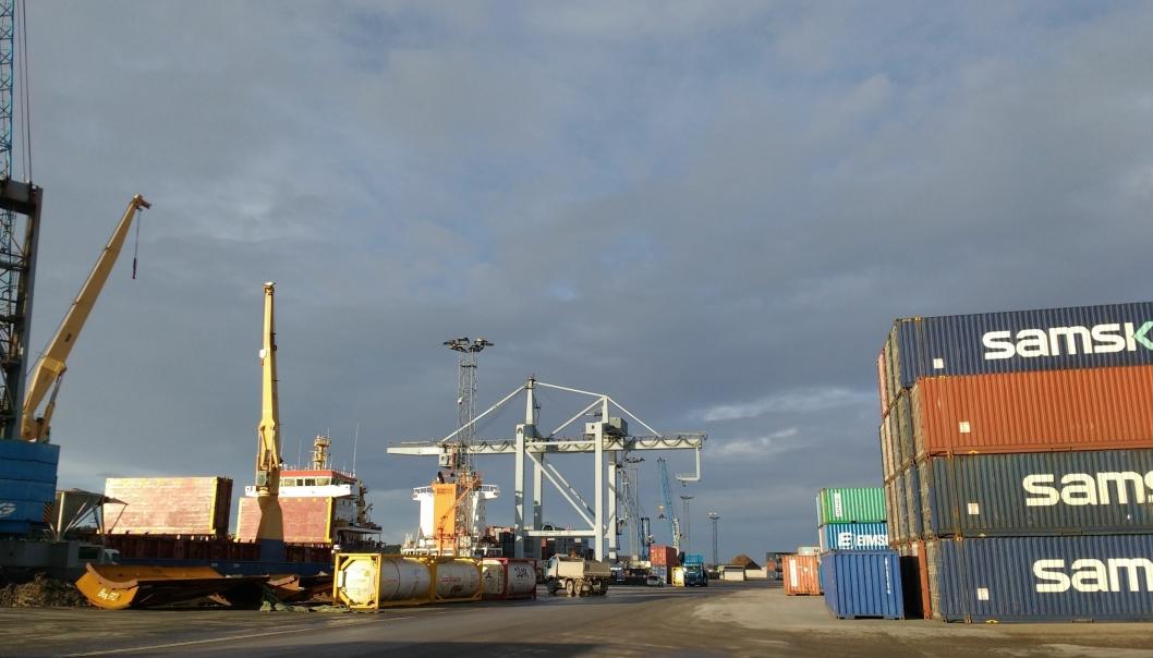 Utslippet fra veitrafikken er mer enn tre ganger så stort som sjøtransporten. Foto: Tove Irén Becker.