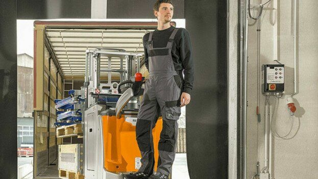 EXD-SF og EXH-SF er utstyrt med nedfellbar plattform og ergonomisk ledehendel.