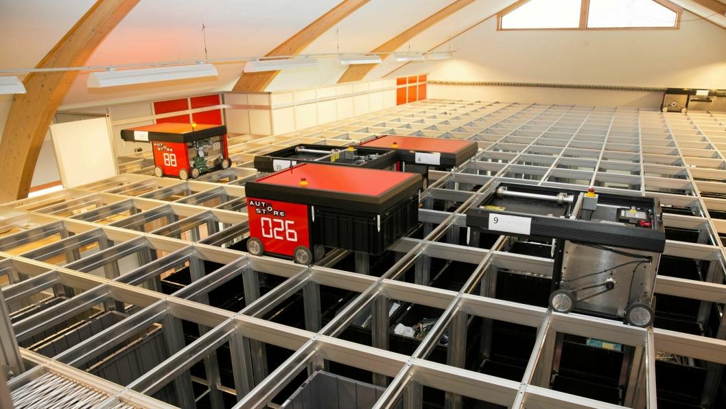 Autostore ble unnfanget på Nedre Vats i Rogaland, der hovedkontoret fortsatt ligger. Her fra «testloftet».