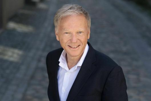 BluWraps norske direktør Ola Strand bidrar til gjennombrudd for transport av laks på skinner.