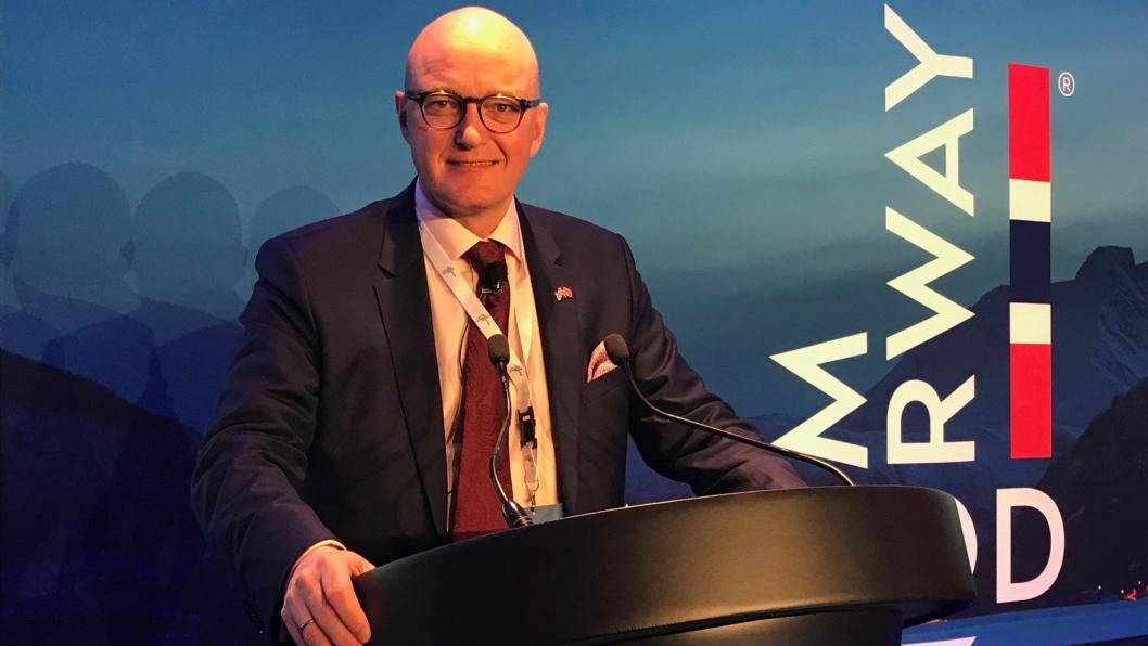 Hans Frode Kielland Asmyhr er Norges sjømatråds fiskeriutsending i Storbritannia og er bekymret for effektene av en mulig hard brexit for norsk sjømateksport.
