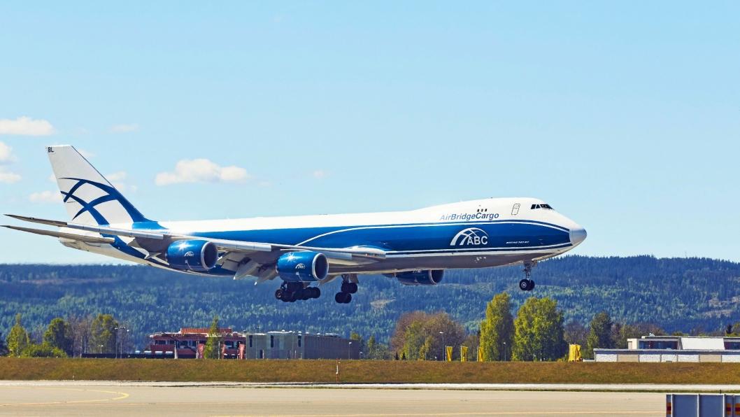 Rundt 300 tonn ukentlig flyfraktkapasitet er forsvunnet fra OSL som følge av den russiske nekten.