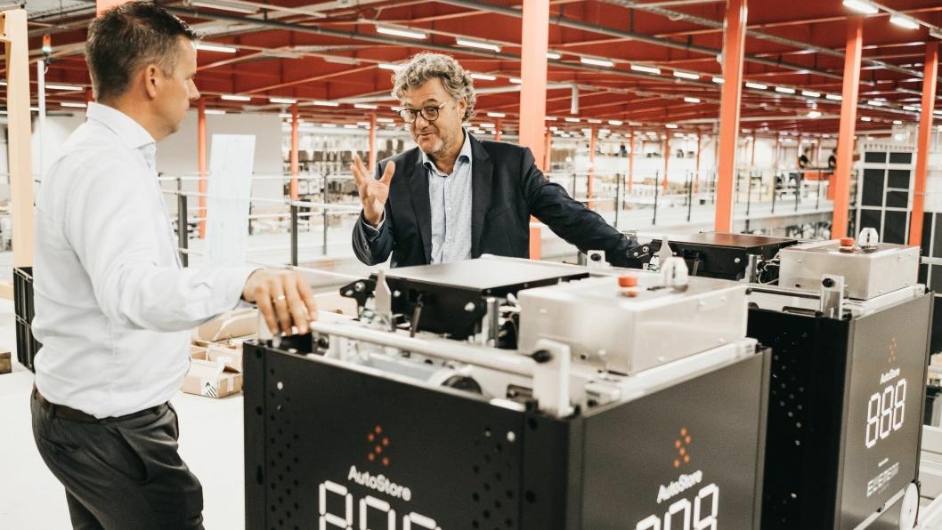 Niels Hemmingsen i Boozt (til høyre) i samtale med salgssjef i Element Logic Håvard Hallås.