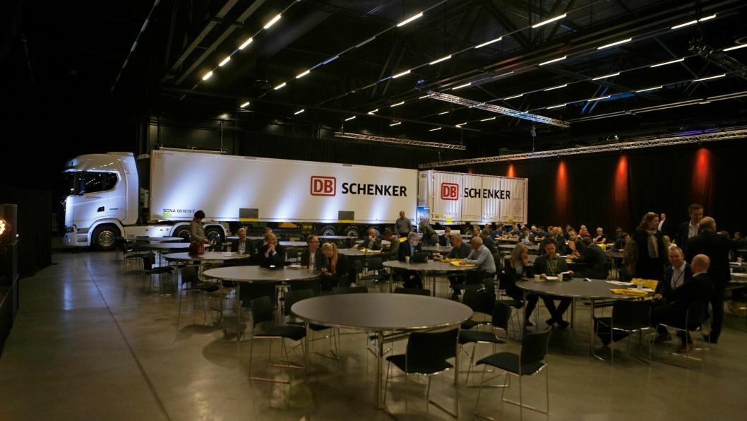 I år skal rundt 100 spennende foredragsholdere dele av sin kunnskap til konferansedeltakerne. Her fra plenumssalen i fjor.