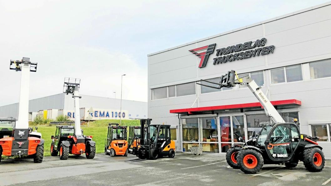 NYE MERKER: Det blir Doosan og BobCat som kommer til å dominere hos Trøndelag Trucksenter fremover.