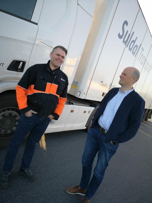 Nor-Log Gruppens konsernsjef Lars Arne Brøttem er kommunikasjon et hovedprinsipp. Det er Suldal Transports Sven Ola Haugen skjønt enig i.