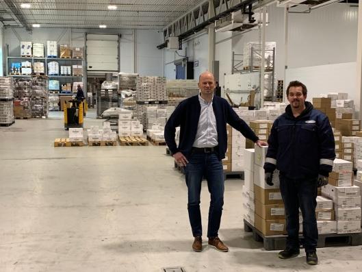 - Du og dine kolleger er vår viktigste ressurs, kan konsernsjef Lars Arne Brøttem fortelle terminal-ansatt, Sindre Isaksen.