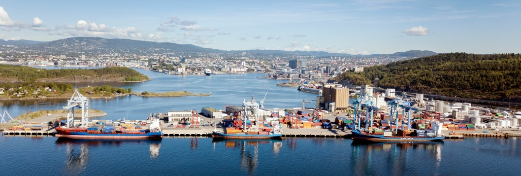 Containerhavna på Sjursøya håndterer rekordmange containere i år.