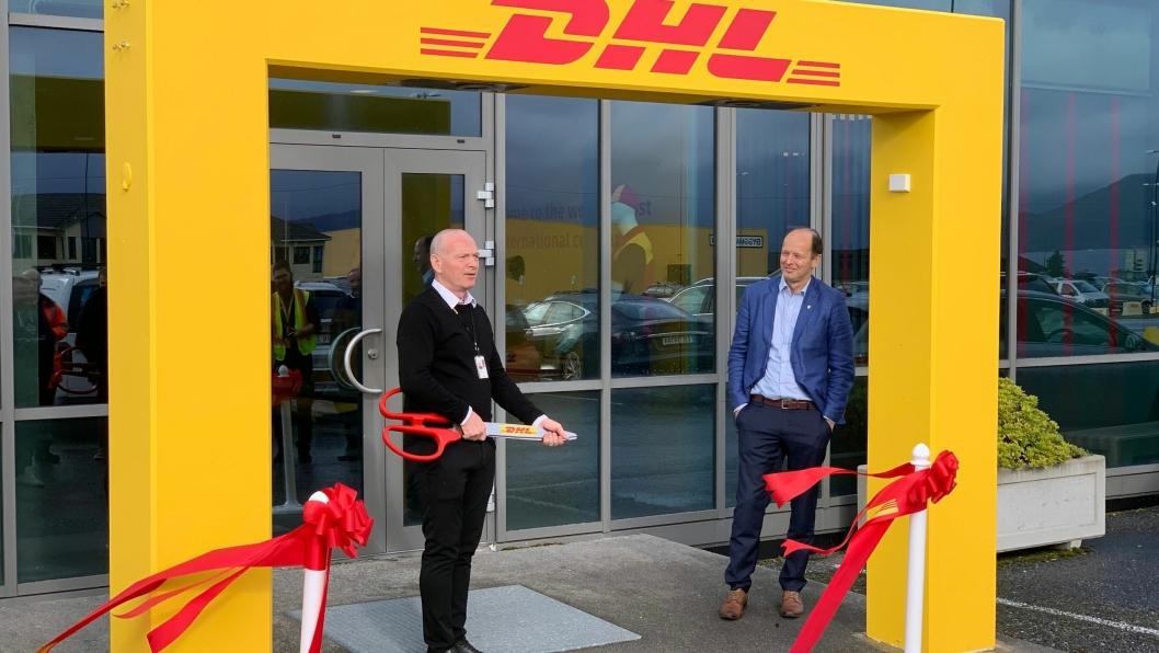 Tor Morten Lorentzen, OPS Manager DHL Express Ålesund og ordfører i Giske kommune, Harry Valderhaug.
