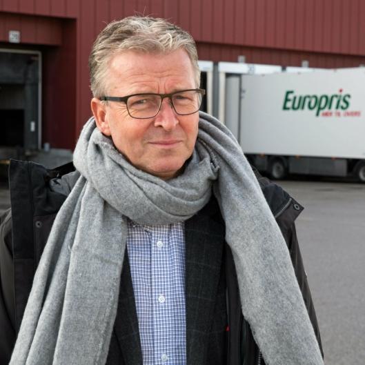 Pål-Christian Andersen, logistikkdirektør i Europris AS, gleder seg til å ta i bruk det automatiserte anlegget neste år.
