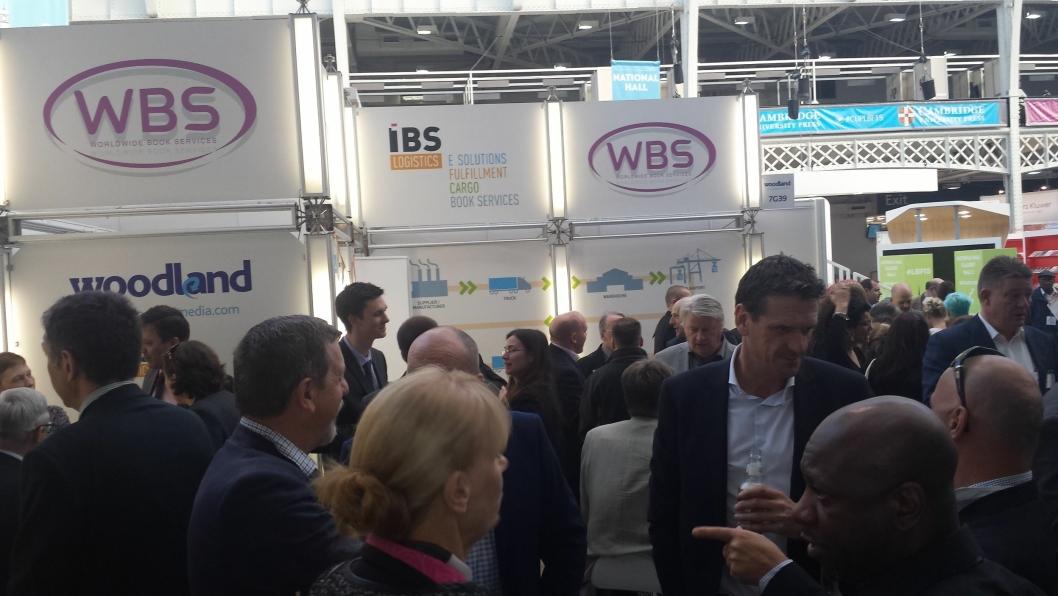 Det er stor aktivitet på WBS-stand C80 i Frankfurt.