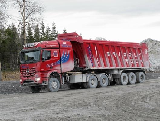SPESIELLE: Det finnes ikke noen lastebiler i Norge som er like de T.Engene bruker i Brønnøysund.