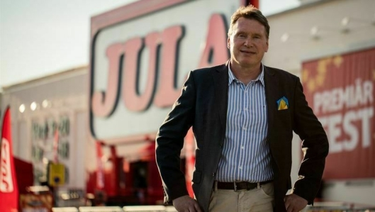 Nu kör vi! sier Jula-eier Karl-Johan Blank, og gjør klar til å bygge ut Nord-Europas største lager.