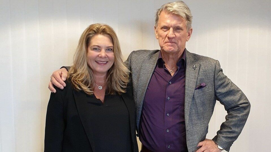 Grunnlegger og administrerende direktør Anette Yngvesson i Fraktkompaniet og administrerende direktør og grunnlegger Thomas Ström i NTEX samhandler om transport- og logistikkoppgavene.