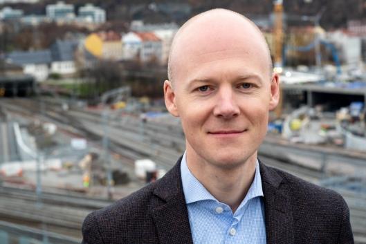 - Ombygging av godsterminalen på Nygårdstangen vil styrke jernbanens konkurransekraft foran veitransport, sier Oskar Stenstrøm, direktør for godstrafikk i Bane NOR.