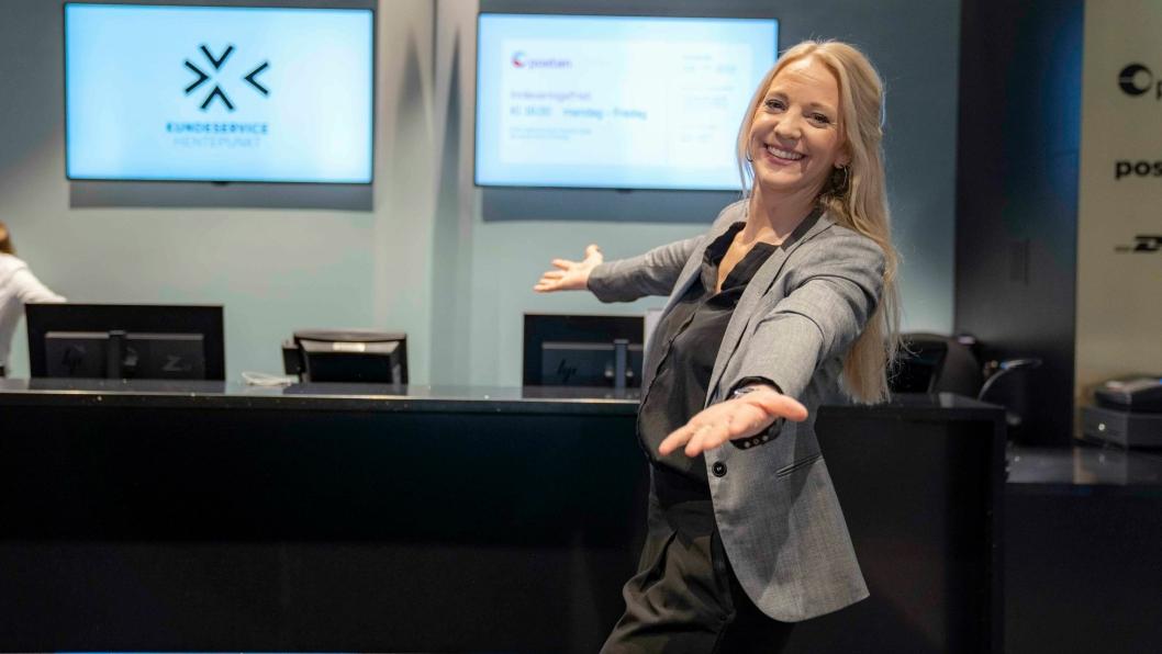 PostNords driftsleder for butikknettverket i Norge, Alexandra Warelius, ønsker velkommen til åpning av flere nye pick-up-points på kjøpesentre rundt om i landet første kvartal 2020.