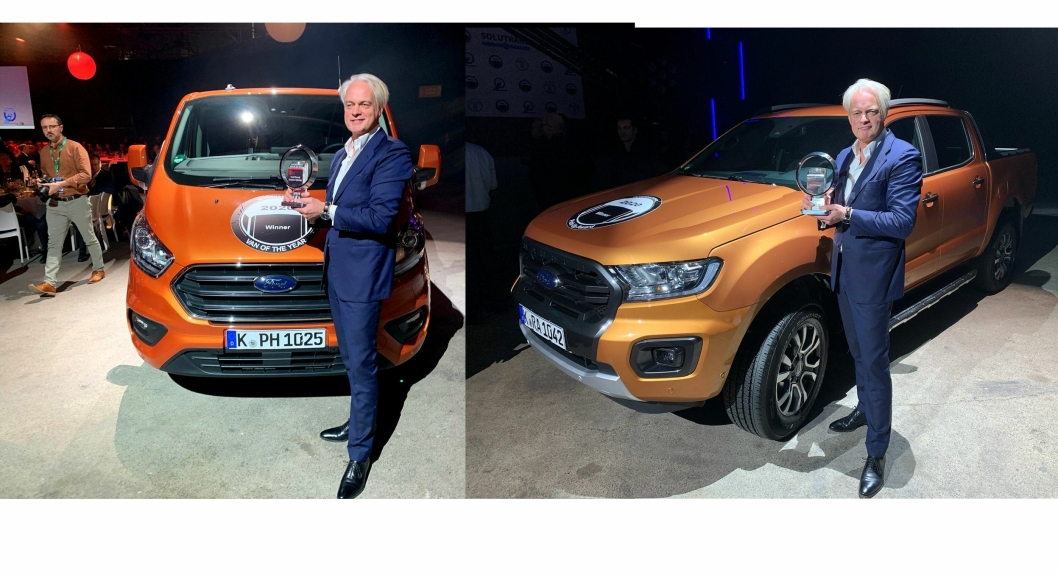 Hans Schep, daglig leder for nyttekjøretøy i Ford Europa mottok både International Van of the Year 2020 (Transit Custom) og International Pickup Award 2020 (Ford ranger) på Solutrans i Frankrike torsdag 20. november.