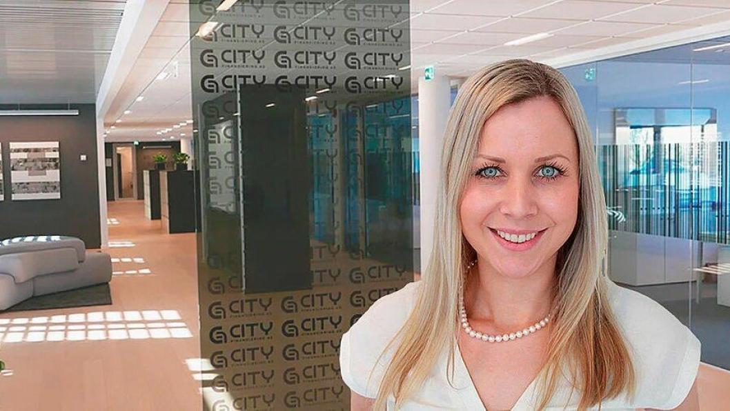 Maiken Therese Kallesen har vært ansatt i Swisslog siden 2011, og har samtidig vært aktiv i Logistikkforeningen. Nå blir hun Apport Systems salgssjef i Norge.