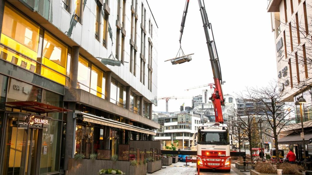 Lossing på riggplass på Tjuvholmen i Oslo.