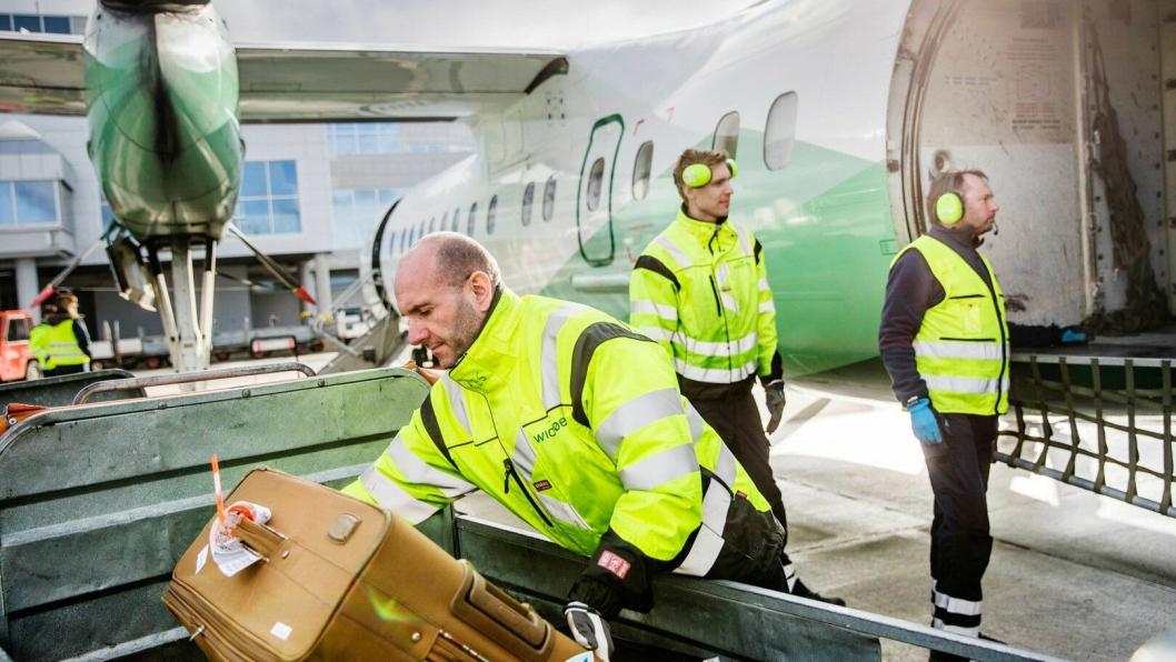 Widerøes flyfrakt omfatter selvsagt kofferter, men også alt fra blod og reservedeler, til kongekrabber og levende dyr.
